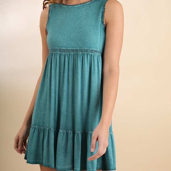Umgee Dresses & Skirts - NWT UMGEE Washed Sleeveless Dress w/ Lace Detail